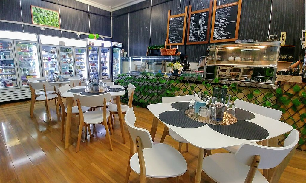 """Photo of Back2Nature Cafe  by <a href=""""/members/profile/karlaess"""">karlaess</a> <br/>Interior <br/> March 24, 2018  - <a href='/contact/abuse/image/115263/375201'>Report</a>"""