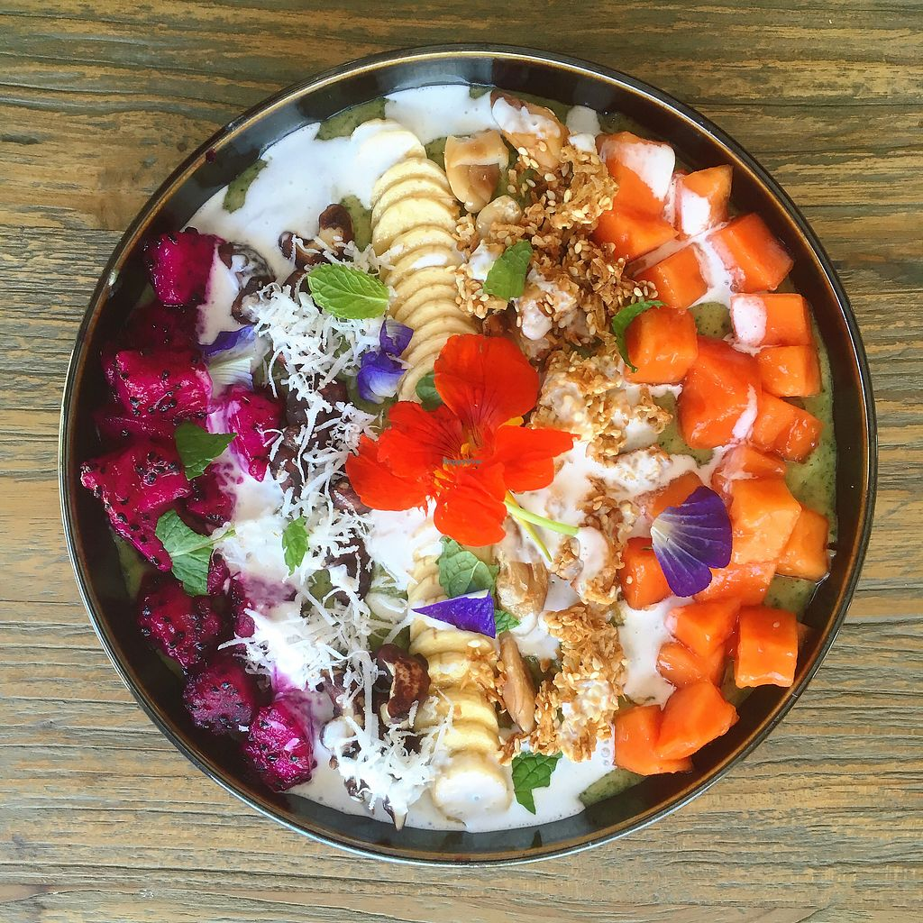 """Photo of Zest Ubud  by <a href=""""/members/profile/IlonaGoossens"""">IlonaGoossens</a> <br/>Green smoothie bowl  <br/> April 14, 2018  - <a href='/contact/abuse/image/115319/385539'>Report</a>"""