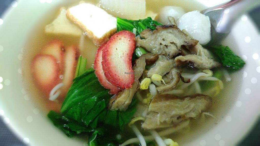 """Photo of Zhen Jie  by <a href=""""/members/profile/ChoyYuen"""">ChoyYuen</a> <br/>Made to order kuay teow soup with ingredients such as green veggies, melon, bean sprouts, vegan balls, tofu, vegan char siew & mock meat.  <br/> March 23, 2018  - <a href='/contact/abuse/image/115327/374780'>Report</a>"""