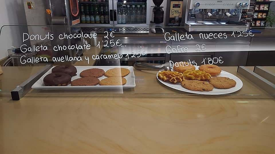 """Photo of Veggie Itaroa  by <a href=""""/members/profile/M%C3%B3nicaNavarroVilche"""">MónicaNavarroVilche</a> <br/>Some cookies and doughnuts  <br/> March 23, 2018  - <a href='/contact/abuse/image/115451/374950'>Report</a>"""