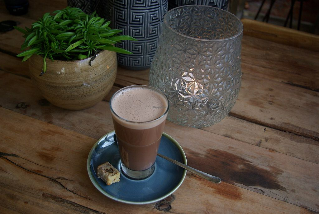 "Photo of Black & White Kafe  by <a href=""/members/profile/SabFlow85"">SabFlow85</a> <br/>Even plantbased hot coco! <br/> March 27, 2018  - <a href='/contact/abuse/image/115796/376702'>Report</a>"