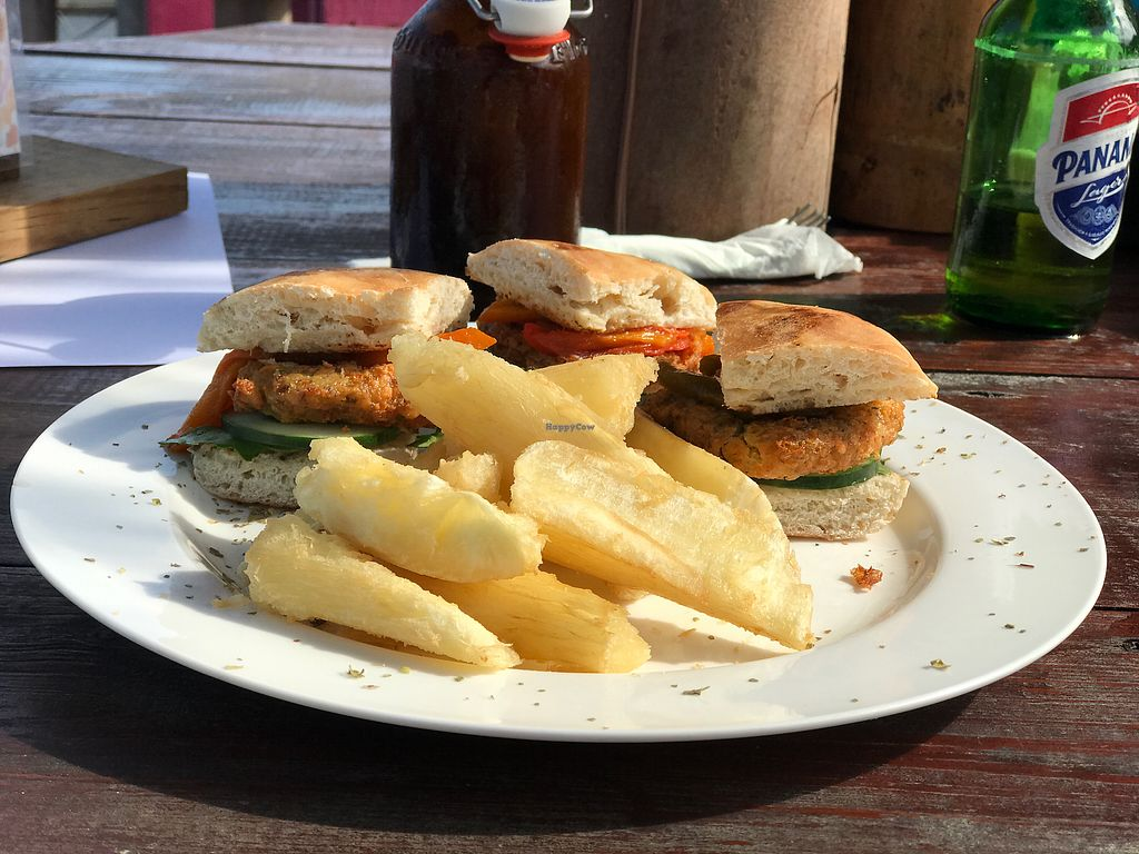 """Photo of La Buguita  by <a href=""""/members/profile/GaryBartlett"""">GaryBartlett</a> <br/>Lunch <br/> March 31, 2018  - <a href='/contact/abuse/image/116214/378533'>Report</a>"""