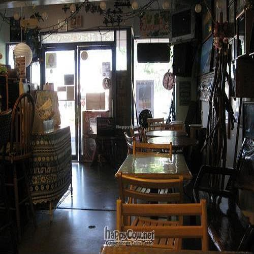 """Photo of Diamond Head Cove Health Bar  by <a href=""""/members/profile/cvxmelody"""">cvxmelody</a> <br/>Inside view <br/> December 23, 2009  - <a href='/contact/abuse/image/11629/3179'>Report</a>"""