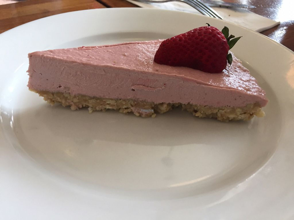 "Photo of Flore  by <a href=""/members/profile/Eyal87"">Eyal87</a> <br/>raw strawberry cheesecake - stay away! <br/> April 18, 2017  - <a href='/contact/abuse/image/11631/249743'>Report</a>"