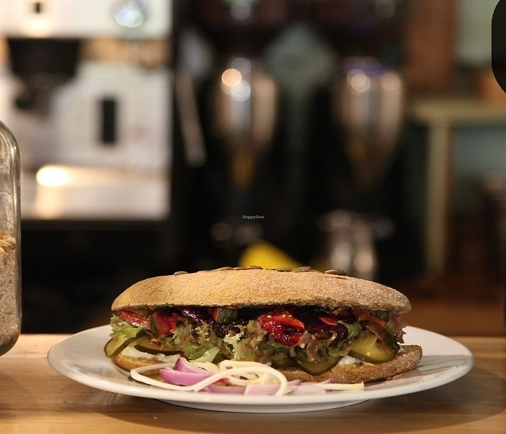 """Photo of Verde y Cafe  by <a href=""""/members/profile/TaniaJavieraToledo"""">TaniaJavieraToledo</a> <br/>sandwich vegano <br/> March 31, 2018  - <a href='/contact/abuse/image/116388/379080'>Report</a>"""