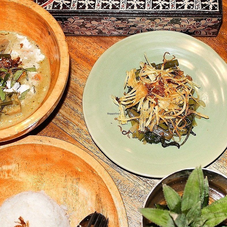 """Photo of Pituq Waroeng  by <a href=""""/members/profile/tigovege"""">tigovege</a> <br/>Delicious Indonesian food with a unique twist <br/> April 8, 2018  - <a href='/contact/abuse/image/116449/382263'>Report</a>"""