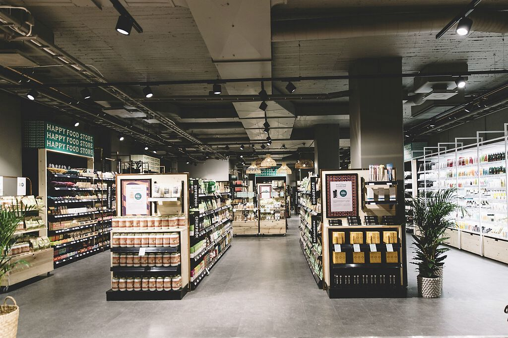 """Photo of Happy Food Store  by <a href=""""/members/profile/Heidi_W"""">Heidi_W</a> <br/>Brand new Happy Food Store shop is located at Sveavägen 22, Stockholm <br/> April 4, 2018  - <a href='/contact/abuse/image/116608/380530'>Report</a>"""
