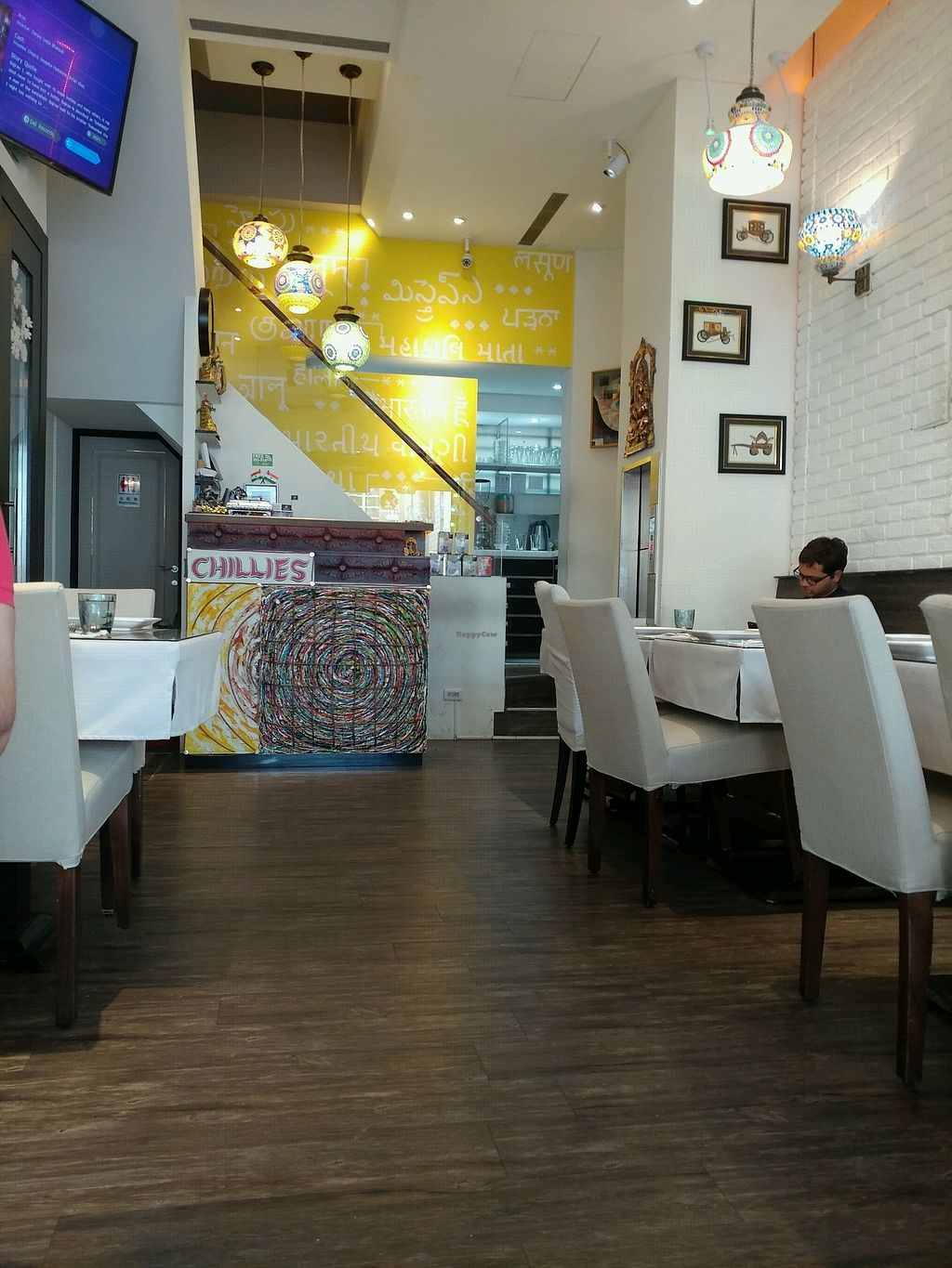 "Photo of Chillies Indian Restaurant  by <a href=""/members/profile/Seamusmack"">Seamusmack</a> <br/>Chillies 2 Interior <br/> April 8, 2018  - <a href='/contact/abuse/image/117009/382297'>Report</a>"