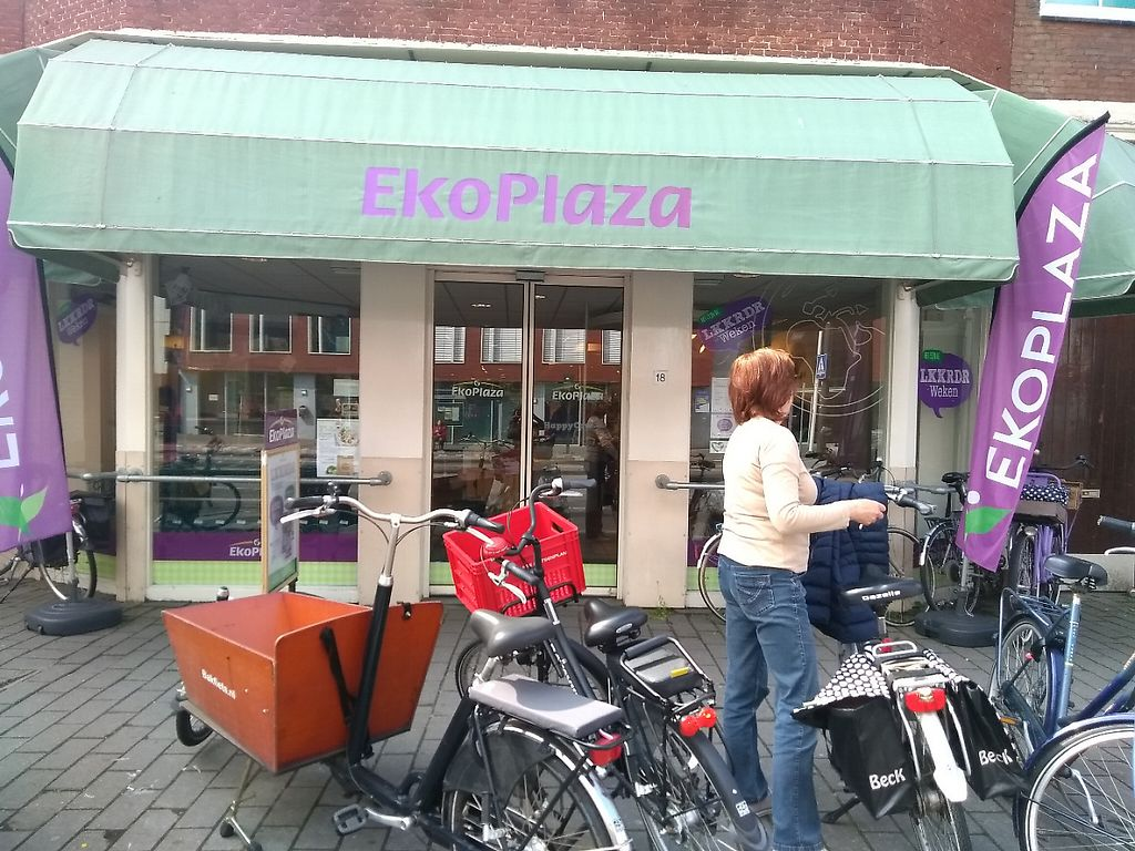 """Photo of EkoPlaza  by <a href=""""/members/profile/thenaturalfusions"""">thenaturalfusions</a> <br/>EkoPlaza Haarlem <br/> May 18, 2017  - <a href='/contact/abuse/image/11718/259781'>Report</a>"""