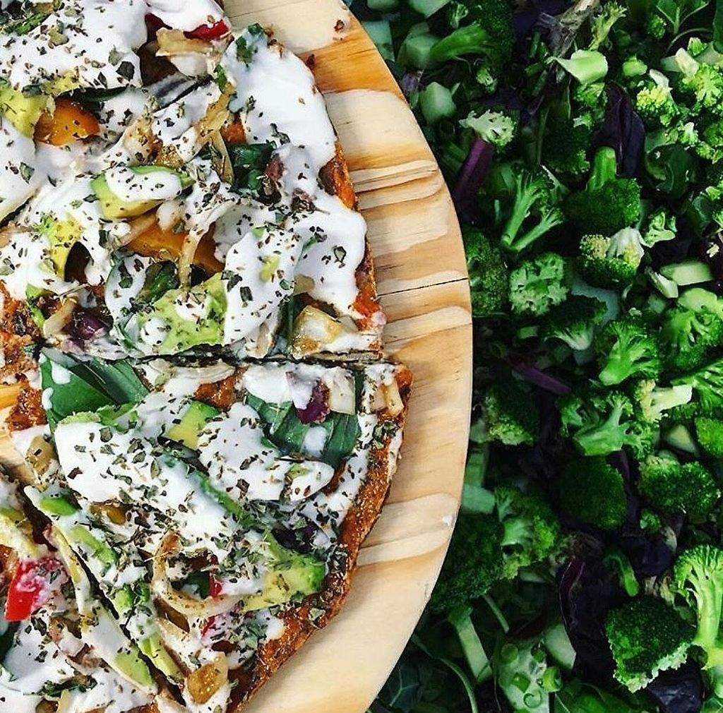 "Photo of Valeo  by <a href=""/members/profile/ThisisART"">ThisisART</a> <br/>Raw, gluten-free vegan pizza  <br/> April 20, 2018  - <a href='/contact/abuse/image/117450/388411'>Report</a>"