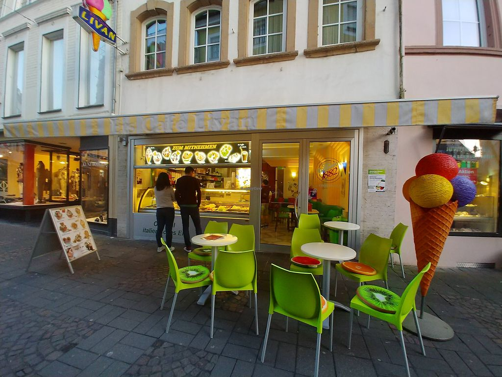 """Photo of Eiscafe Livan  by <a href=""""/members/profile/AthenaTrombly"""">AthenaTrombly</a> <br/>Outside seating <br/> April 12, 2018  - <a href='/contact/abuse/image/117487/384599'>Report</a>"""