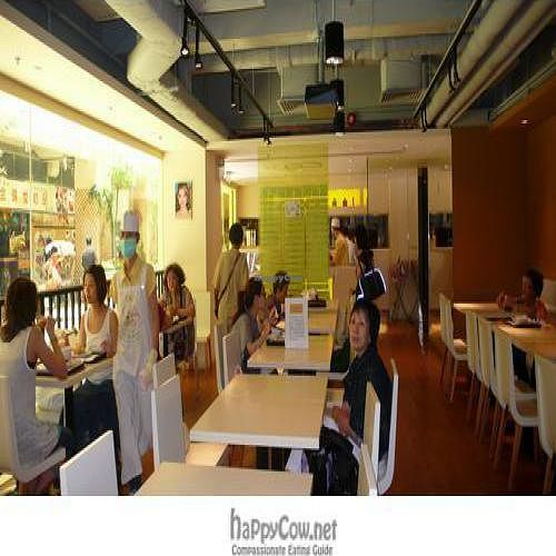"""Photo of Loving Hut - Amoy Plaza  by <a href=""""/members/profile/htenbos"""">htenbos</a> <br/> July 26, 2009  - <a href='/contact/abuse/image/11753/2301'>Report</a>"""