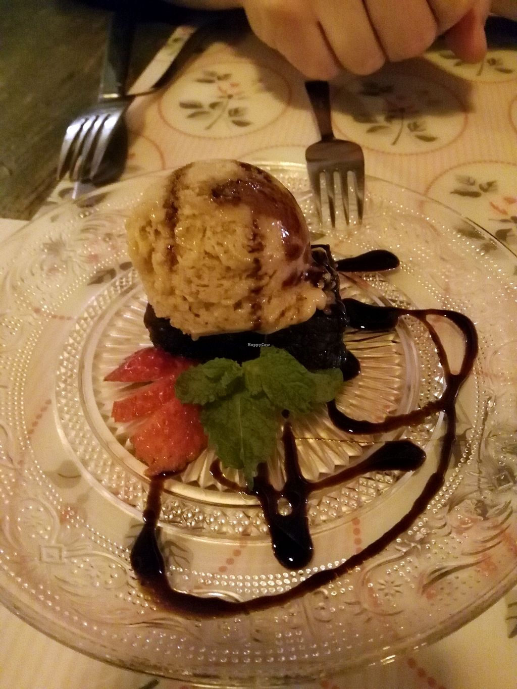 """Photo of CLOSED: Out of Time People  by <a href=""""/members/profile/Meibluemoon"""">Meibluemoon</a> <br/>Small piece of brownie with banana ice cream. We didn't like it :'( Almost 6 euros <br/> October 3, 2015  - <a href='/contact/abuse/image/11759/119982'>Report</a>"""