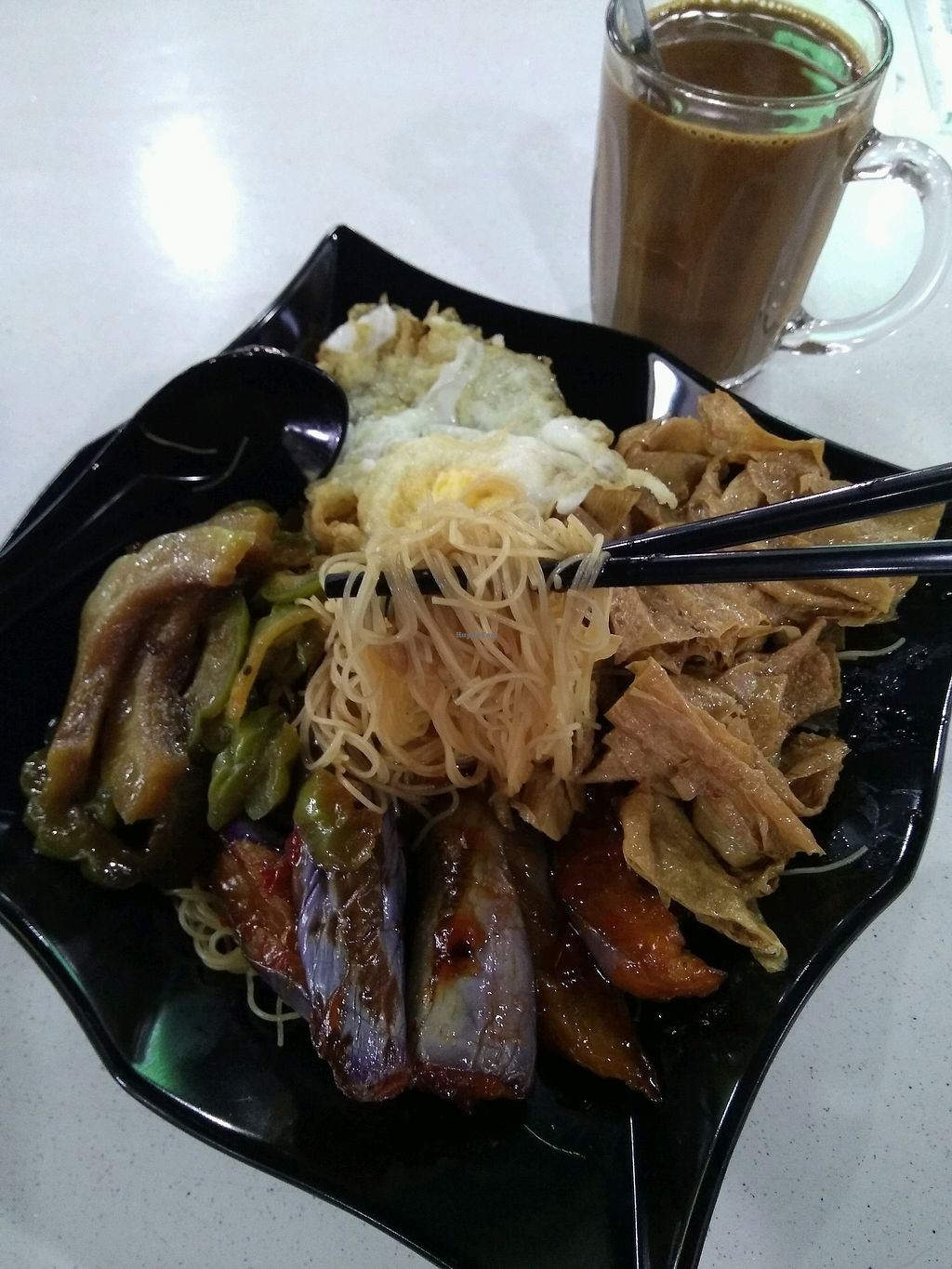 """Photo of Xian Yuan Vegetarian  by <a href=""""/members/profile/AdelOng"""">AdelOng</a> <br/>$3.30 ~ 4 items with mee hoon <br/> April 13, 2018  - <a href='/contact/abuse/image/117607/385429'>Report</a>"""