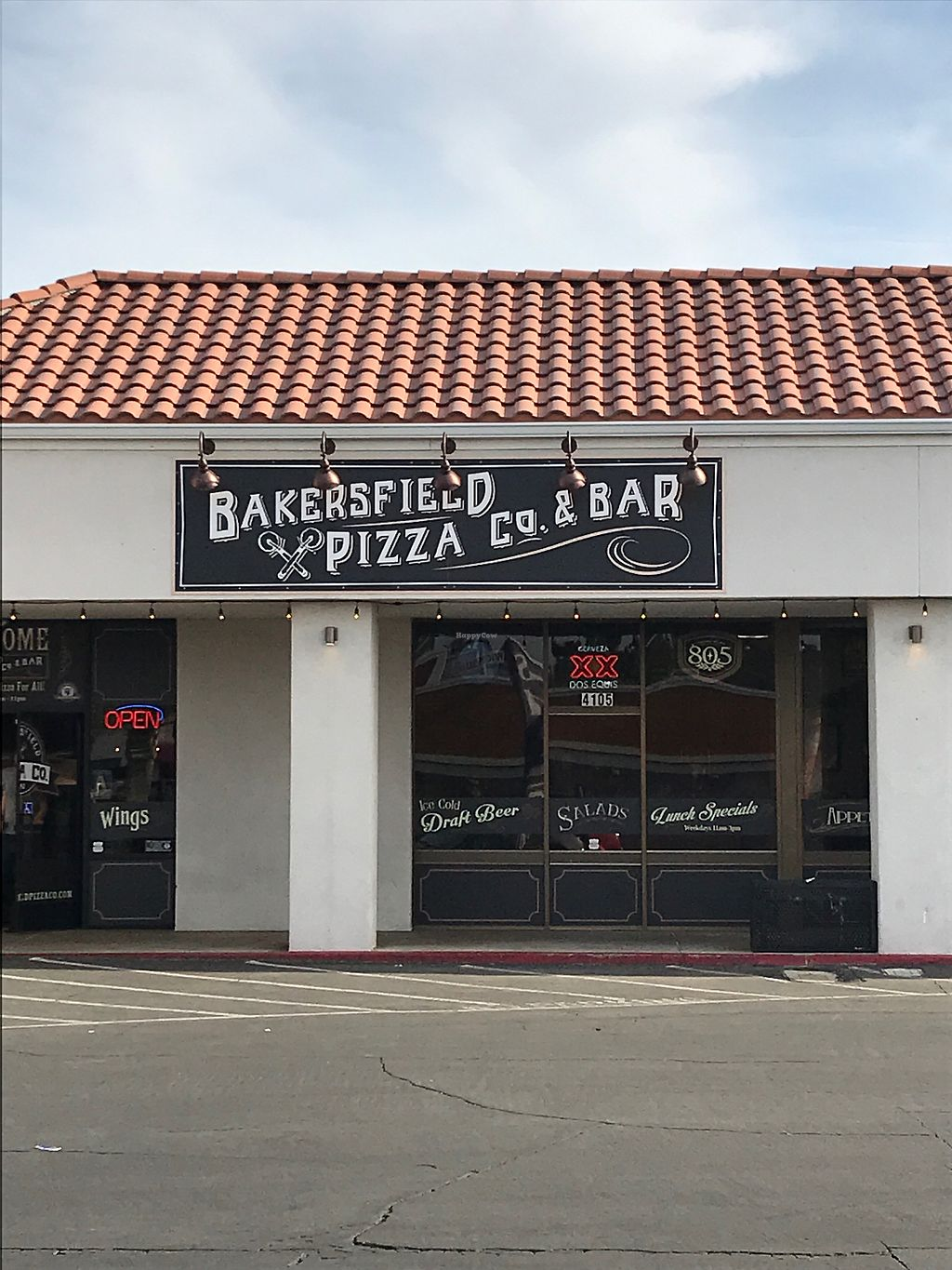 "Photo of Bakersfield Pizza Co  by <a href=""/members/profile/glassesgirl79"">glassesgirl79</a> <br/>Entrance to restaurant  <br/> April 17, 2018  - <a href='/contact/abuse/image/117849/387406'>Report</a>"
