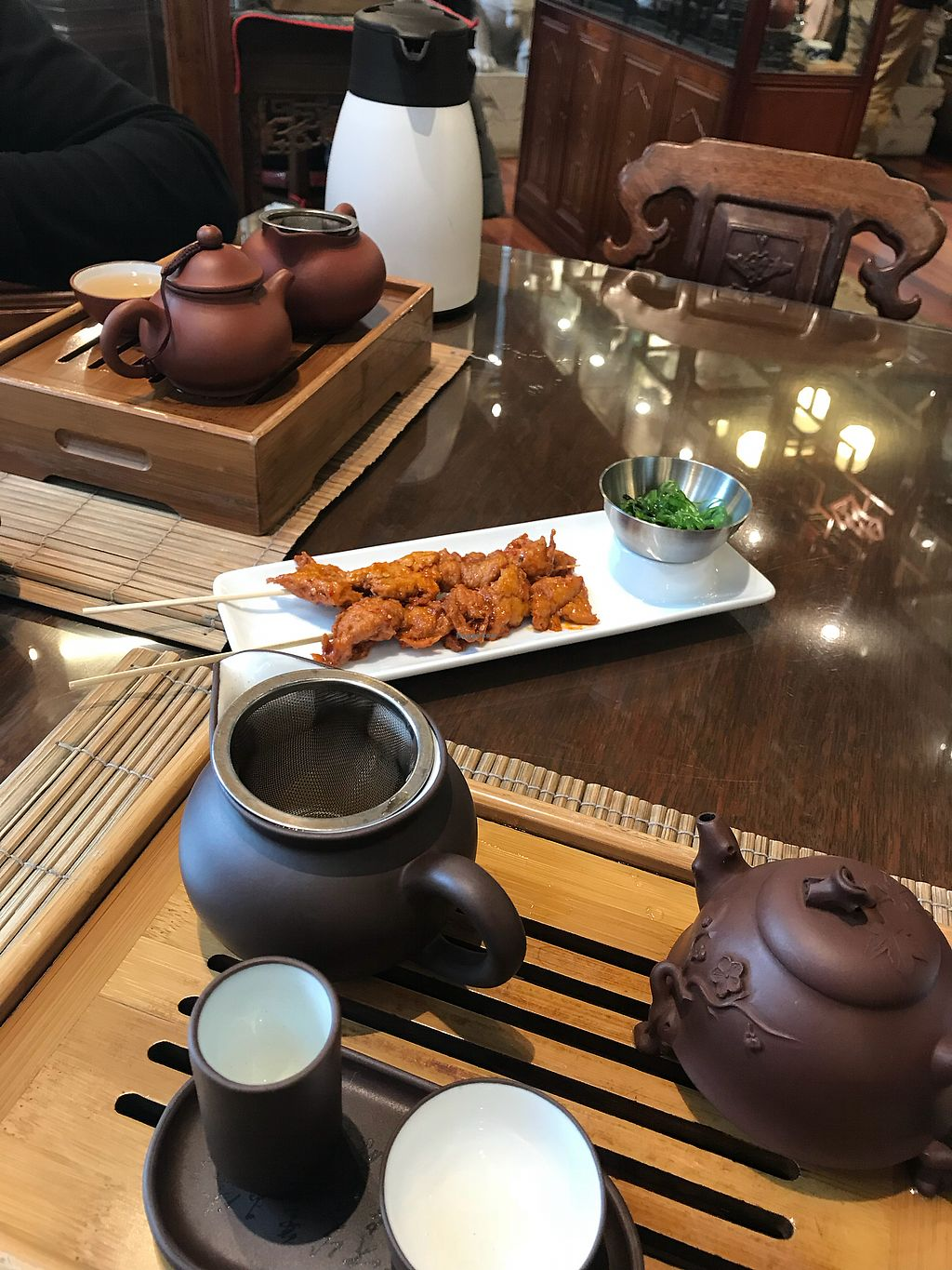 """Photo of Ming Tao Xuan  by <a href=""""/members/profile/MyGreenTongue"""">MyGreenTongue</a> <br/>Ginseng oolong tea and  'chicken' skewers  <br/> November 24, 2017  - <a href='/contact/abuse/image/11805/328825'>Report</a>"""