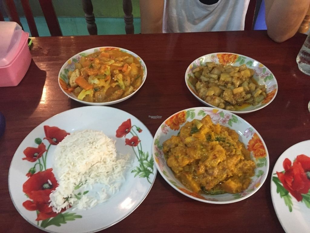 """Photo of Marie Min  by <a href=""""/members/profile/Ioannis"""">Ioannis</a> <br/>Pumpkin curry, tofu vegetable curry, aubergine dip and papadam bread <br/> October 1, 2016  - <a href='/contact/abuse/image/11956/179036'>Report</a>"""
