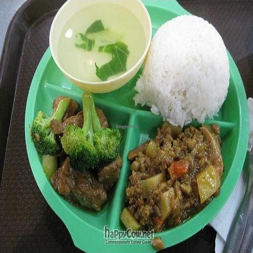 """Photo of CLOSED: Quan Yin Chay - Soler St  by <a href=""""/members/profile/cvxmelody"""">cvxmelody</a> <br/>Rice & two selections from their buffet <br/> March 4, 2011  - <a href='/contact/abuse/image/12031/7709'>Report</a>"""