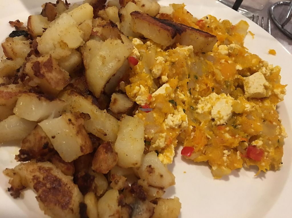 """Photo of Shoreline Diner and Vegetarian Enclave  by <a href=""""/members/profile/Stacie99"""">Stacie99</a> <br/>tofu scramble with butternut- yum! <br/> December 15, 2016  - <a href='/contact/abuse/image/12117/201414'>Report</a>"""