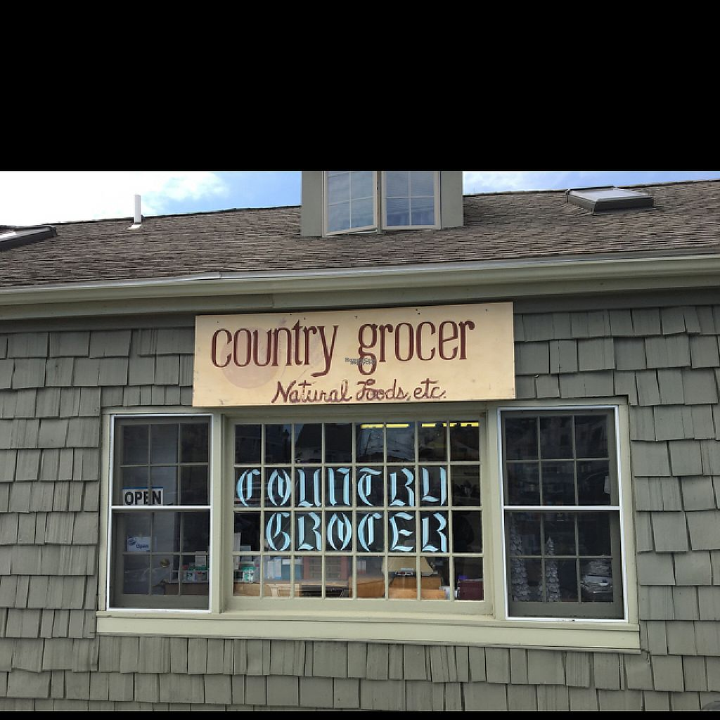 """Photo of Country Grocer  by <a href=""""/members/profile/JJones315"""">JJones315</a> <br/>Store Front <br/> April 15, 2017  - <a href='/contact/abuse/image/12162/248377'>Report</a>"""