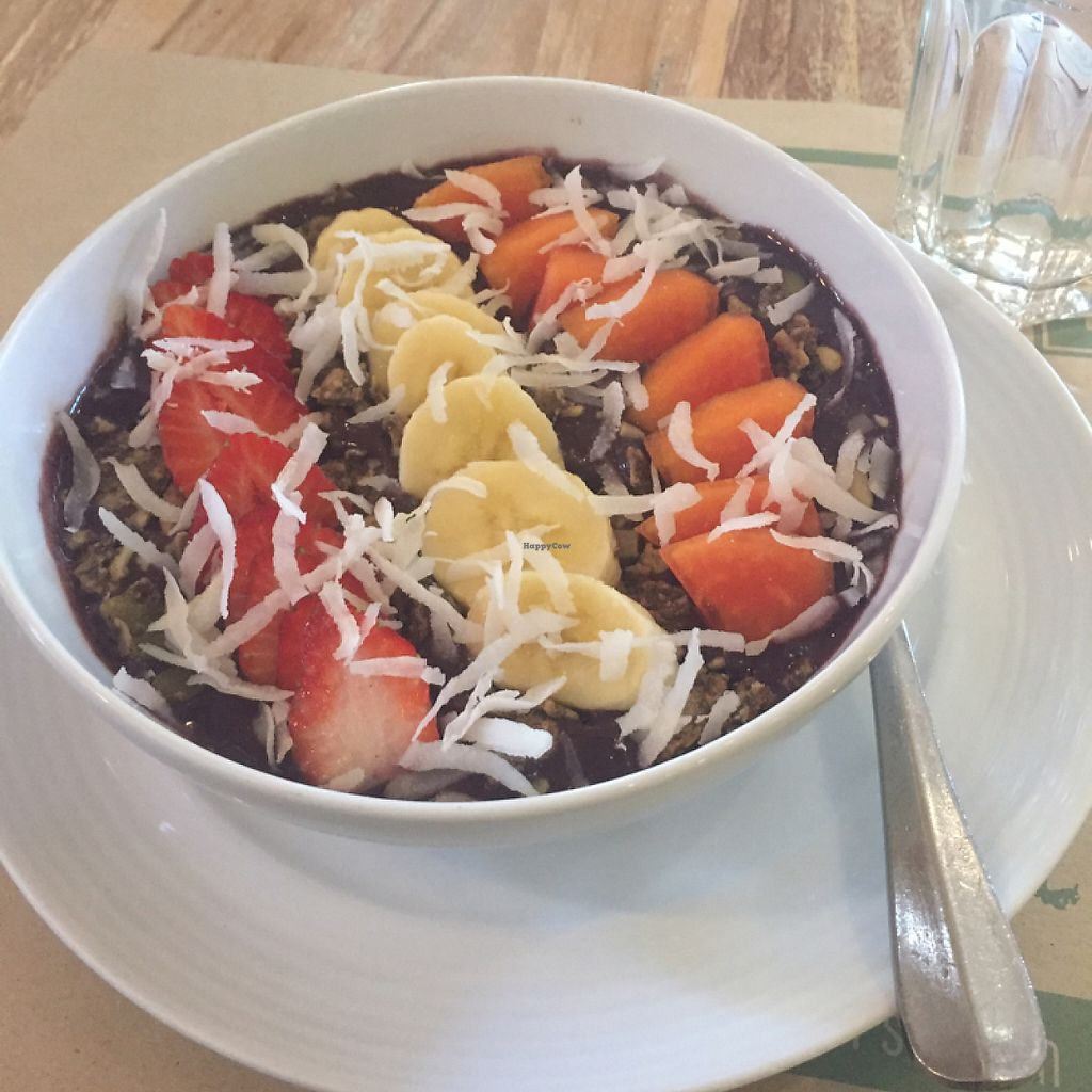 """Photo of Earth Cafe and Market - Seminyak  by <a href=""""/members/profile/NinetteHansson"""">NinetteHansson</a> <br/>acai bowl <br/> May 10, 2017  - <a href='/contact/abuse/image/12414/257594'>Report</a>"""
