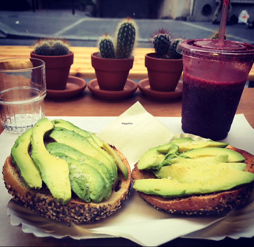 """Photo of Bob's Juice Bar  by <a href=""""/members/profile/Benners1980"""">Benners1980</a> <br/>Breakfast Juice and Bagel <br/> May 6, 2017  - <a href='/contact/abuse/image/12484/256240'>Report</a>"""