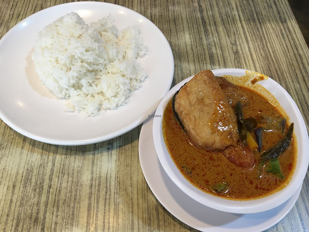 "Photo of R and J Cosy Corner  by <a href=""/members/profile/breakfastparadise"">breakfastparadise</a> <br/>Curry fish rice <br/> March 20, 2018  - <a href='/contact/abuse/image/12572/373194'>Report</a>"