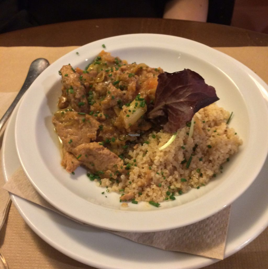 """Photo of L'Hortet  by <a href=""""/members/profile/rhr"""">rhr</a> <br/>main course <br/> April 22, 2017  - <a href='/contact/abuse/image/12712/251067'>Report</a>"""