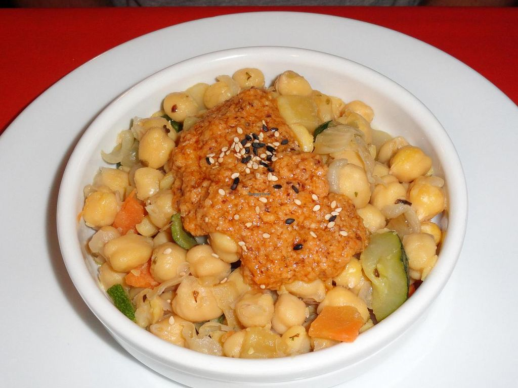 """Photo of L'Hortet  by <a href=""""/members/profile/JonJon"""">JonJon</a> <br/>Chickpea salad <br/> August 4, 2014  - <a href='/contact/abuse/image/12712/75959'>Report</a>"""