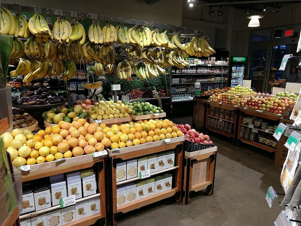 """Photo of Gateway Market  by <a href=""""/members/profile/ChelonianRacer"""">ChelonianRacer</a> <br/>Produce section <br/> November 1, 2017  - <a href='/contact/abuse/image/12810/320975'>Report</a>"""