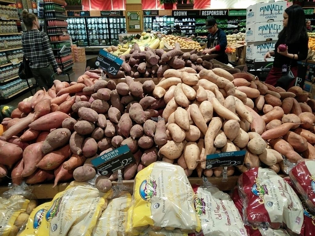 """Photo of Whole Foods Market - Oakland  by <a href=""""/members/profile/martinicontomate"""">martinicontomate</a> <br/>potatoes <br/> October 3, 2016  - <a href='/contact/abuse/image/12892/179412'>Report</a>"""