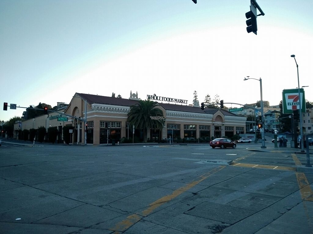 """Photo of Whole Foods Market - Oakland  by <a href=""""/members/profile/martinicontomate"""">martinicontomate</a> <br/>building <br/> October 3, 2016  - <a href='/contact/abuse/image/12892/179414'>Report</a>"""