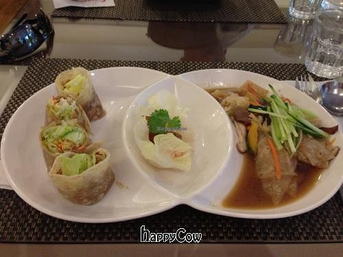"""Photo of SU French Healthy Eatery  by <a href=""""/members/profile/tokyoeric"""">tokyoeric</a> <br/>Chinese pancake main course <br/> December 20, 2012  - <a href='/contact/abuse/image/12911/41768'>Report</a>"""