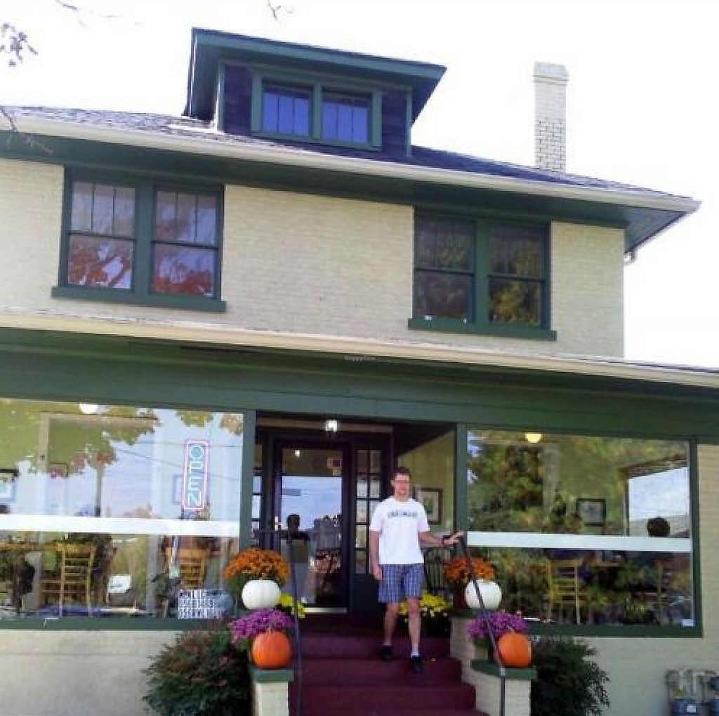 """Photo of CLOSED: Meridian Cafe  by <a href=""""/members/profile/happycowgirl"""">happycowgirl</a> <br/>entrance <br/> October 23, 2012  - <a href='/contact/abuse/image/13016/200781'>Report</a>"""