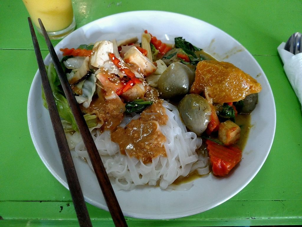 """Photo of May Kaidee's Vegetarian Restaurant  by <a href=""""/members/profile/MisoNomad"""">MisoNomad</a> <br/>green curry noodles <br/> March 5, 2018  - <a href='/contact/abuse/image/13082/367009'>Report</a>"""