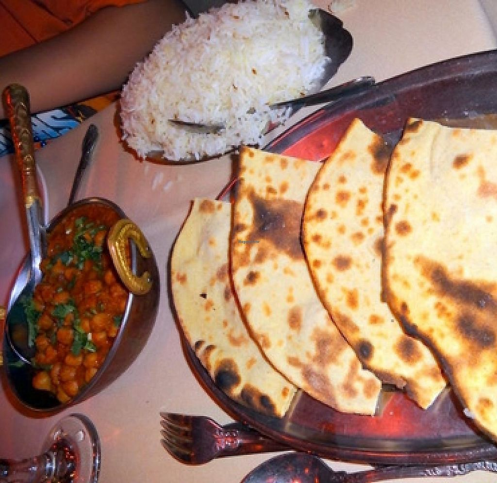 Photo of India Oven  by Navegante <br/>June 2014, Roti with a vegan dish and rice <br/> June 18, 2014  - <a href='/contact/abuse/image/13466/207711'>Report</a>