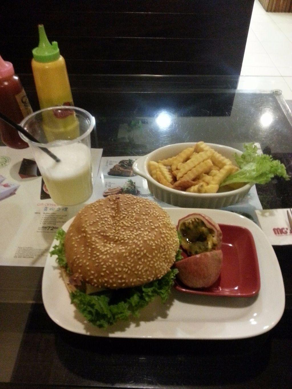 "Photo of MG's Cafe - Hartamas  by <a href=""/members/profile/Satrai"">Satrai</a> <br/>Mushroom burger <br/> September 1, 2016  - <a href='/contact/abuse/image/13479/172922'>Report</a>"