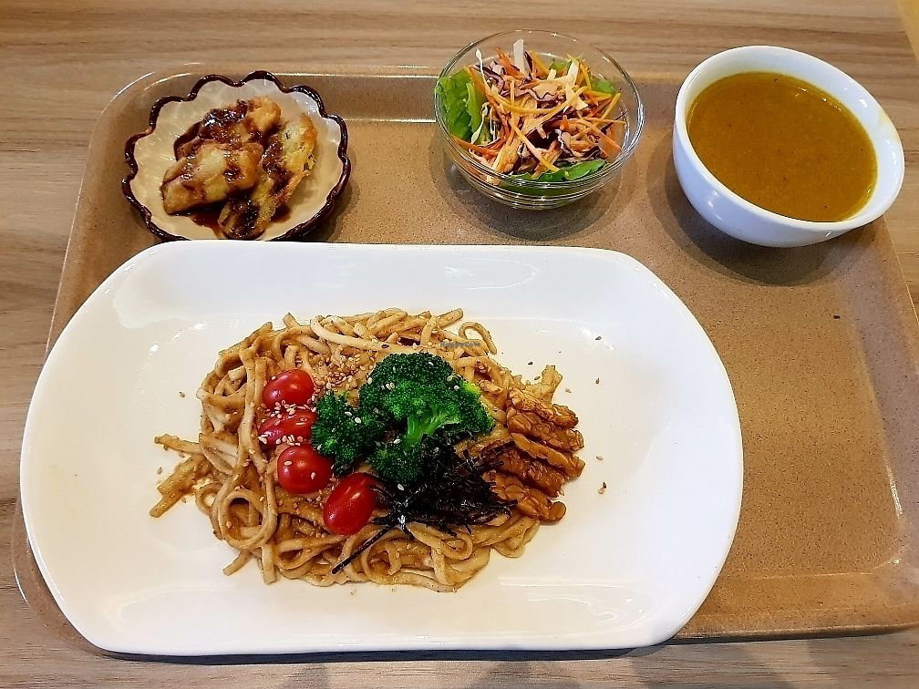 Photo of Roots Organic & Wholesome Cafe  by Raphael_Dane <br/> June 8, 2017  - <a href='/contact/abuse/image/13638/267013'>Report</a>