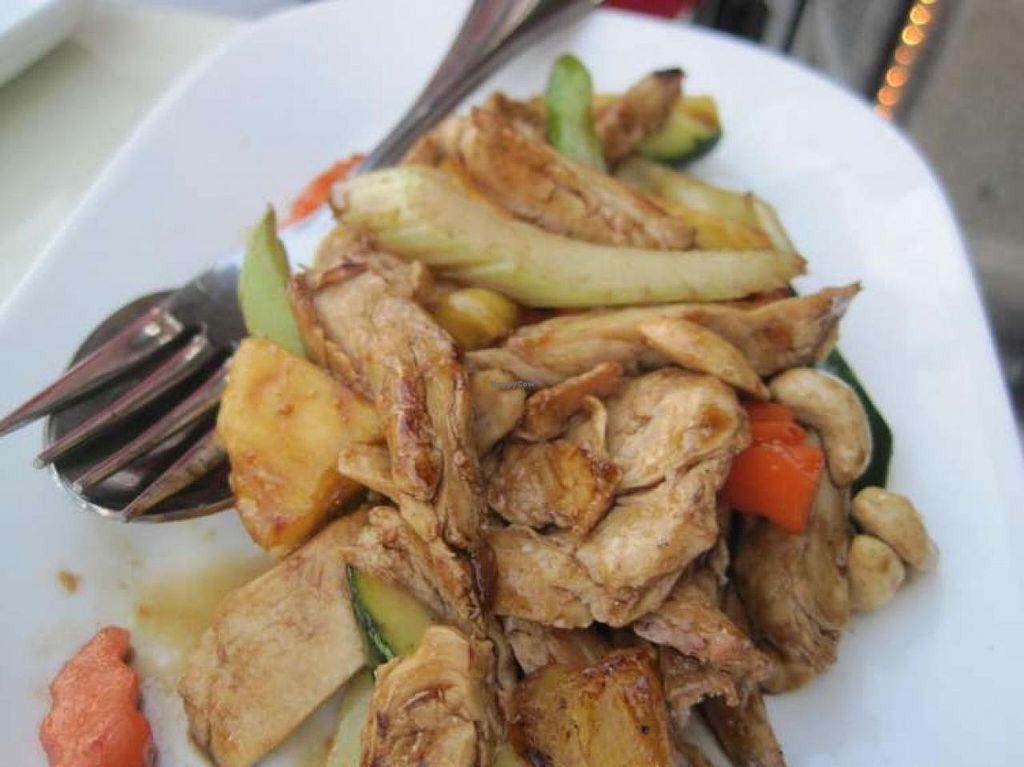 "Photo of ChuChai  by <a href=""/members/profile/Babette"">Babette</a> <br/>Vegan chicken with cashews and pineapple <br/> August 12, 2014  - <a href='/contact/abuse/image/1370/76776'>Report</a>"