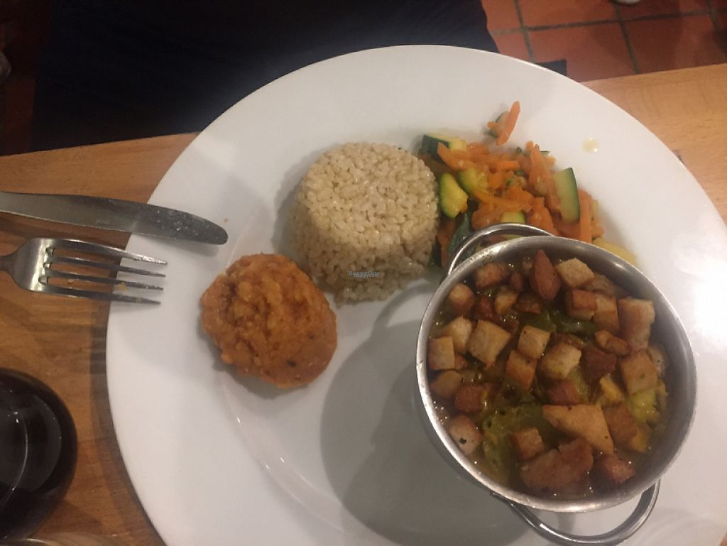 """Photo of Veget'Halles  by <a href=""""/members/profile/SusanLister"""">SusanLister</a> <br/>curry  <br/> April 11, 2017  - <a href='/contact/abuse/image/13798/247004'>Report</a>"""