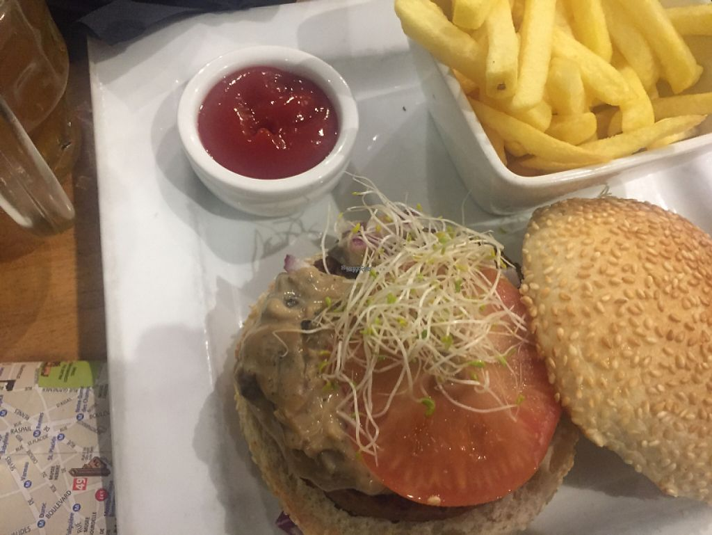"""Photo of Veget'Halles  by <a href=""""/members/profile/SusanLister"""">SusanLister</a> <br/>veggie burger <br/> April 11, 2017  - <a href='/contact/abuse/image/13798/247005'>Report</a>"""