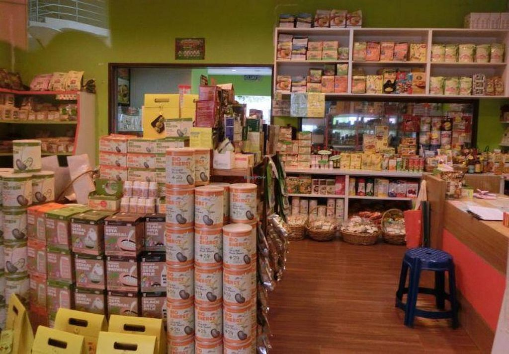 "Photo of Natural Green House Shop & Cafe - City Mall  by <a href=""/members/profile/Canamon"">Canamon</a> <br/>2014-09-25 inside products 1 <br/> September 26, 2014  - <a href='/contact/abuse/image/13802/81114'>Report</a>"