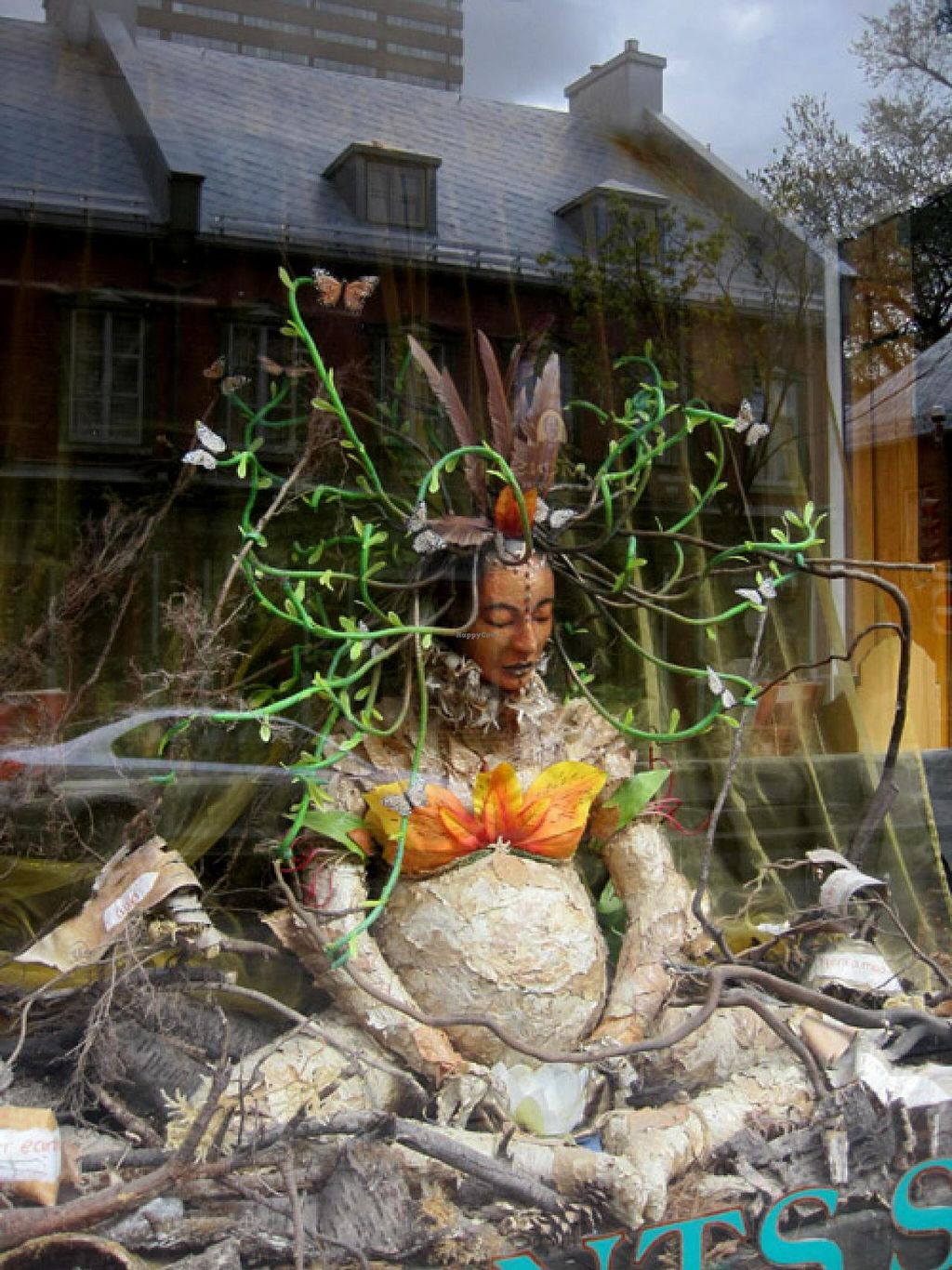 "Photo of Le Crac and La Carotte Joyeuse  by <a href=""/members/profile/Babette"">Babette</a> <br/>Artistic storefront <br/> May 20, 2015  - <a href='/contact/abuse/image/1393/102878'>Report</a>"