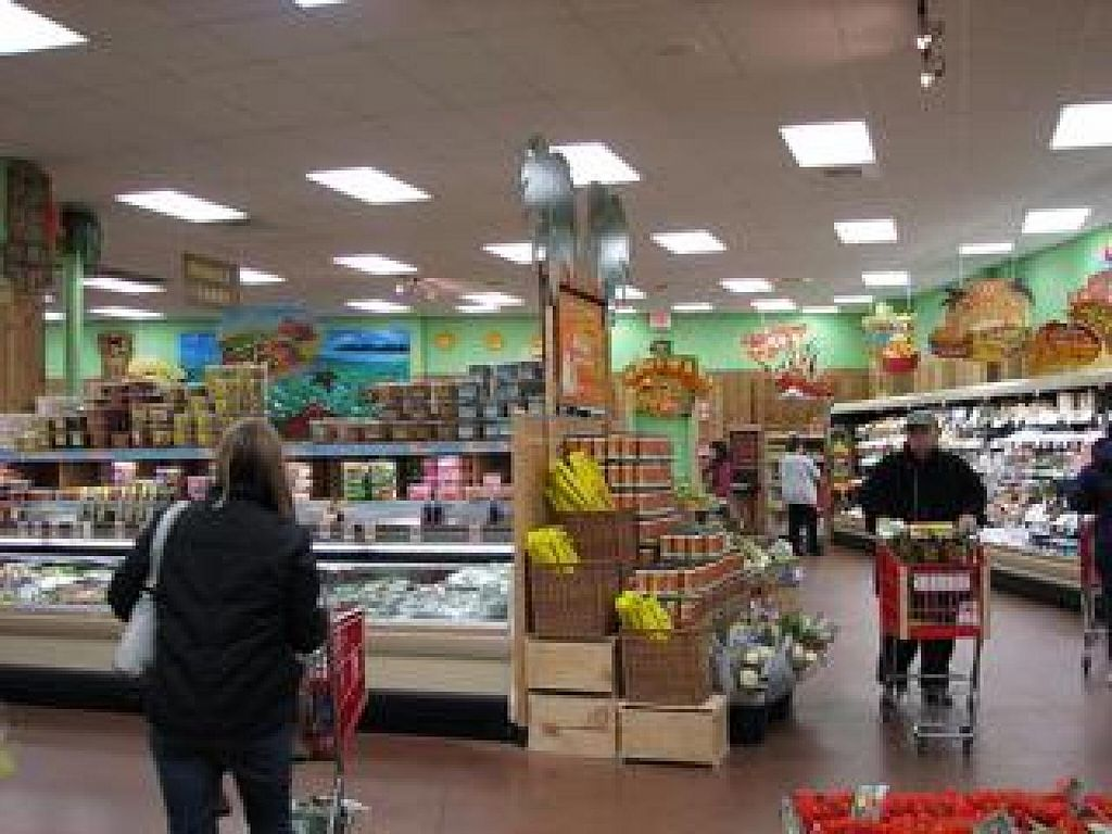 """Photo of Trader Joe's  by <a href=""""/members/profile/community"""">community</a> <br/>trader joes <br/> April 16, 2014  - <a href='/contact/abuse/image/14016/67758'>Report</a>"""