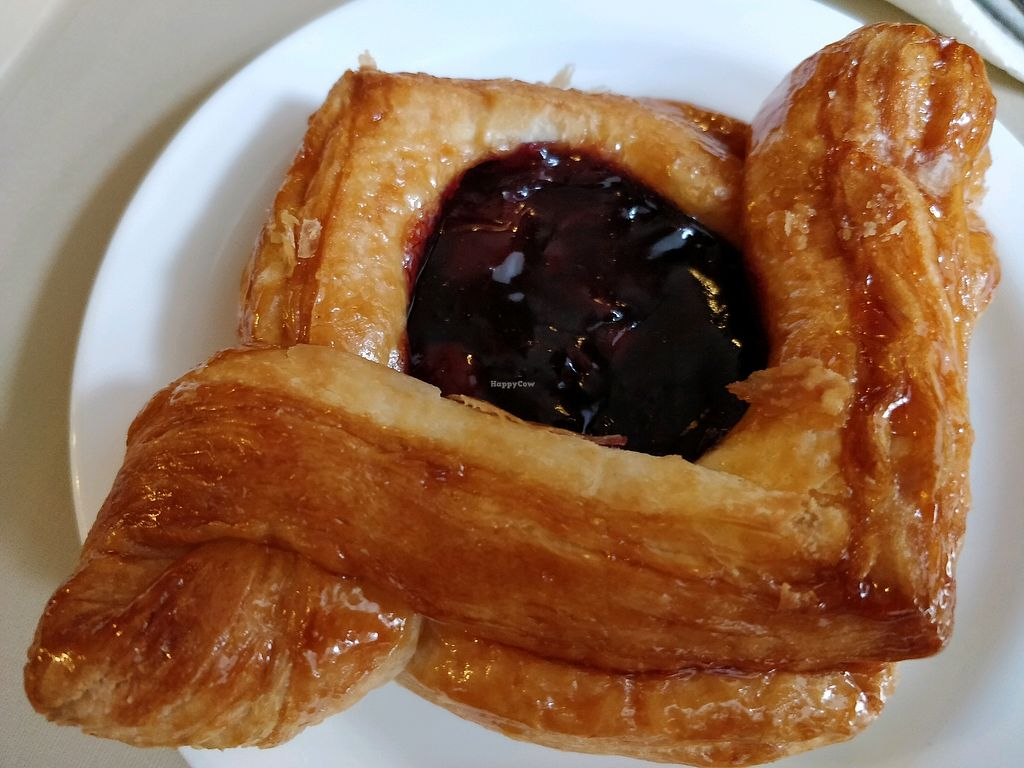 """Photo of Troitsky Most - Nab Reki Moyki  by <a href=""""/members/profile/JimmySeah"""">JimmySeah</a> <br/>pastry for breakfast <br/> May 2, 2018  - <a href='/contact/abuse/image/14243/393844'>Report</a>"""