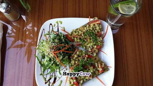 """Photo of Leafy Greens Cafe  by <a href=""""/members/profile/GigglingPixie"""">GigglingPixie</a> <br/>Mediterranean Pizza <br/> December 4, 2013  - <a href='/contact/abuse/image/14358/59783'>Report</a>"""