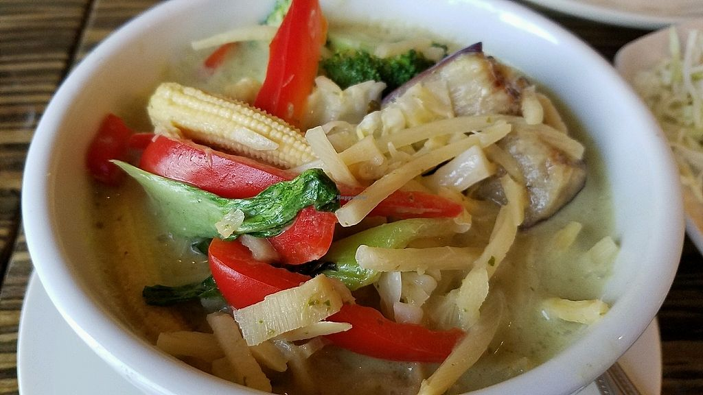 """Photo of LA Vegan  by <a href=""""/members/profile/eric"""">eric</a> <br/>green curry <br/> October 28, 2017  - <a href='/contact/abuse/image/14477/319385'>Report</a>"""