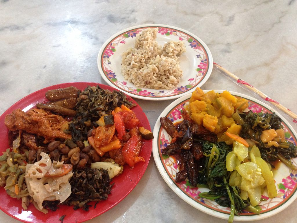 "Photo of Chin Hua Vegetarian Food  by <a href=""/members/profile/JeppoMAX"">JeppoMAX</a> <br/>18.50 on a not cheap day! <br/> April 2, 2018  - <a href='/contact/abuse/image/14504/379841'>Report</a>"