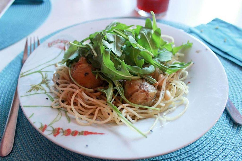 "Photo of Restaurante Amaltea  by <a href=""/members/profile/SueClesh"">SueClesh</a> <br/>spaghetti with artichokes, truffle oil and arugula <br/> June 23, 2016  - <a href='/contact/abuse/image/14597/155750'>Report</a>"