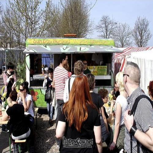 """Photo of CLOSED: Sun Day Burgers - Prenzlauer Berg - First Booth  by <a href=""""/members/profile/Raydoggy"""">Raydoggy</a> <br/>Sun Day Burger Wagon <br/> June 1, 2011  - <a href='/contact/abuse/image/14605/8946'>Report</a>"""